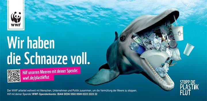 WWF Stopp die Plastikflut - Delfin mit Plastikmüll